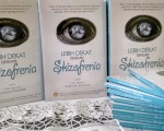 Buku Lebih Dekat Dengan Skizofrenia